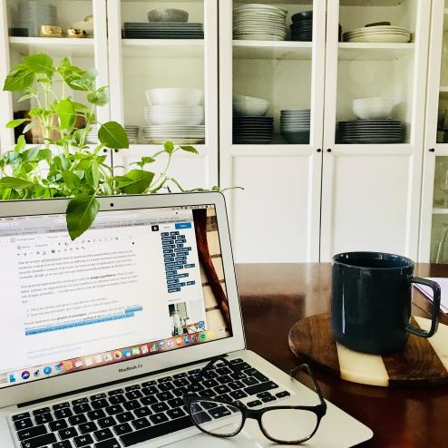 Salle à manger et séance rédaction article de blog